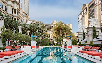 Venus European Pool Lounge