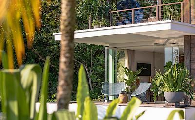 Noku Beach House Lush Tropical Villa