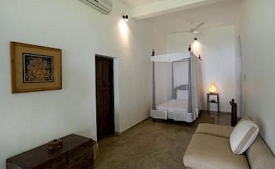 Guest Bedroom T Ee