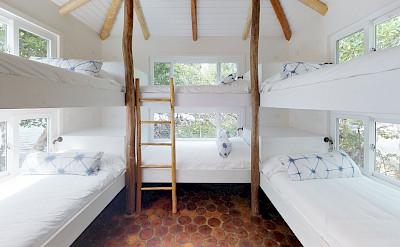 P E Rx+ +Bedroom
