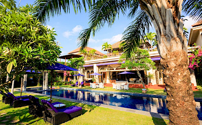 Sayang D Amour Lush Gardens Surround Style And Glamour 2