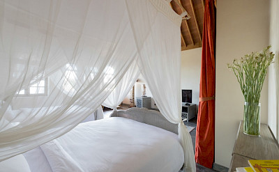 Sayang Damour Gorgeous Guest Bedroom