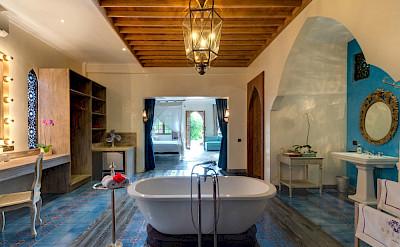 Sayang Damour Guest Bedroom Luxurious Ensuite