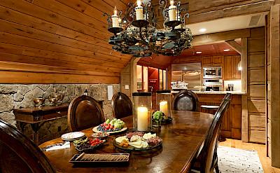 Colorado Lodge Dinning Room