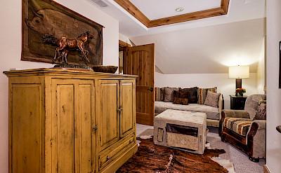 Colorado Lodge Tv Room