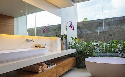 The Iman Villa Bedroom Two Ensuite Bath