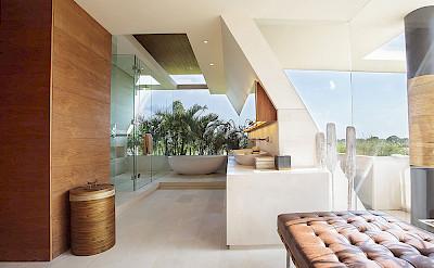 The Iman Villa Designer Bat Oom