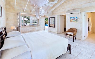 Lrg Villa Nov Bed 2