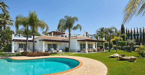 Vila Al Mar Garden View 1