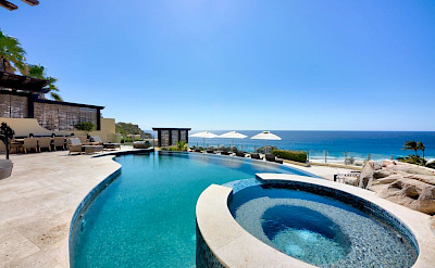 Ce Jacuzzi Pool And Upper Terrace