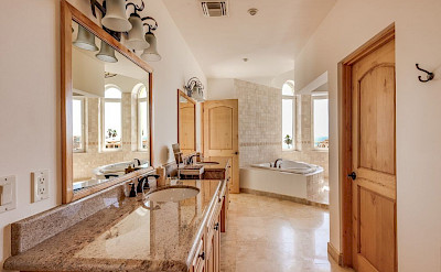 Ce Bedroom 2 Bath 1