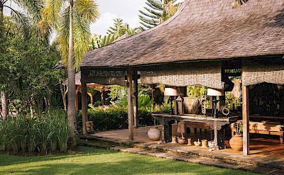 Villa Zelie Dining Joglo