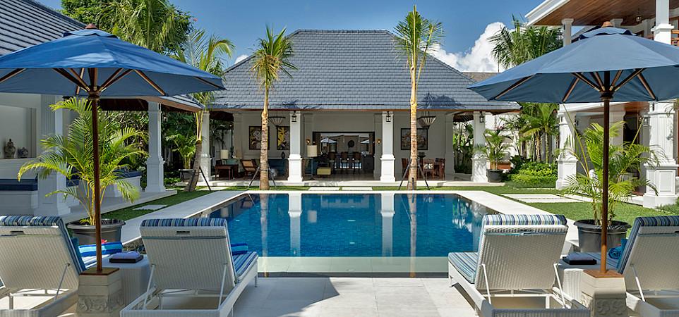 Villa Windu Asri Pool Seating
