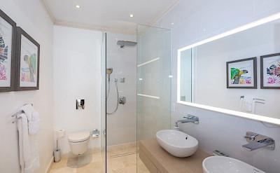 Guestroom C Bath