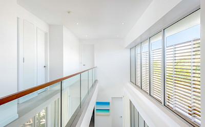 Belb High Res Villa 1 Hallway