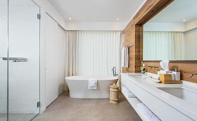 Belb High Res Villa 1 Master Bath 3