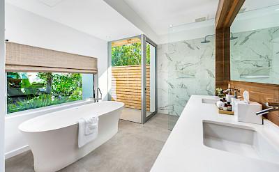 High Res Belb Villa 2 Master Bath 2