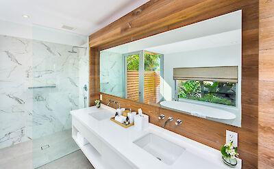 High Res Belb Villa 2 Master Bath 3