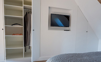 Chambre 1 Tv Placard