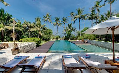+Samadhana+ +Sun+loungers+with+ocean+view