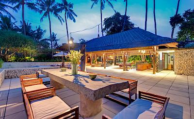 +Samadhana+ +Alfresco+dining+at+dusk