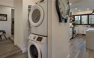 Washer+dryer+and+kitchen
