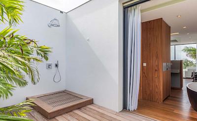 Villa Bedroom 2 Shower