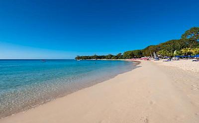 SANDY+LANE+OWNERS+BEACH+MAR +CLUB+BEACH