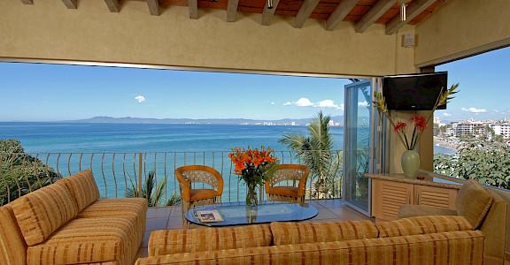 +Villa+Romantica+Living+Room