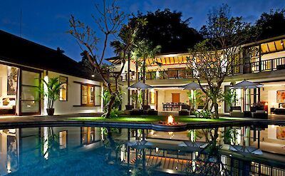 Night At The Villa 1