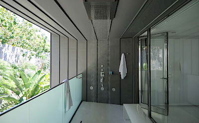 Outside Shower Bedroom 3