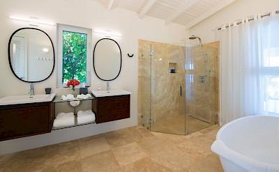 C 5 C Round Rock Villa Bath